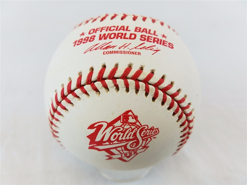 1998 Rawlings MLB Official World Series Game Baseball w/ box Yankees vs Padres